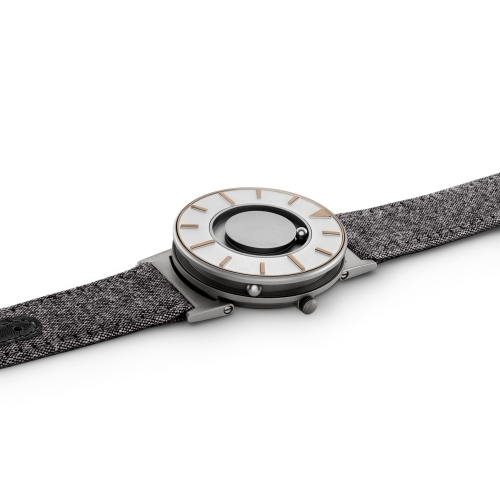 Bradley Compass, Gold - Eone
