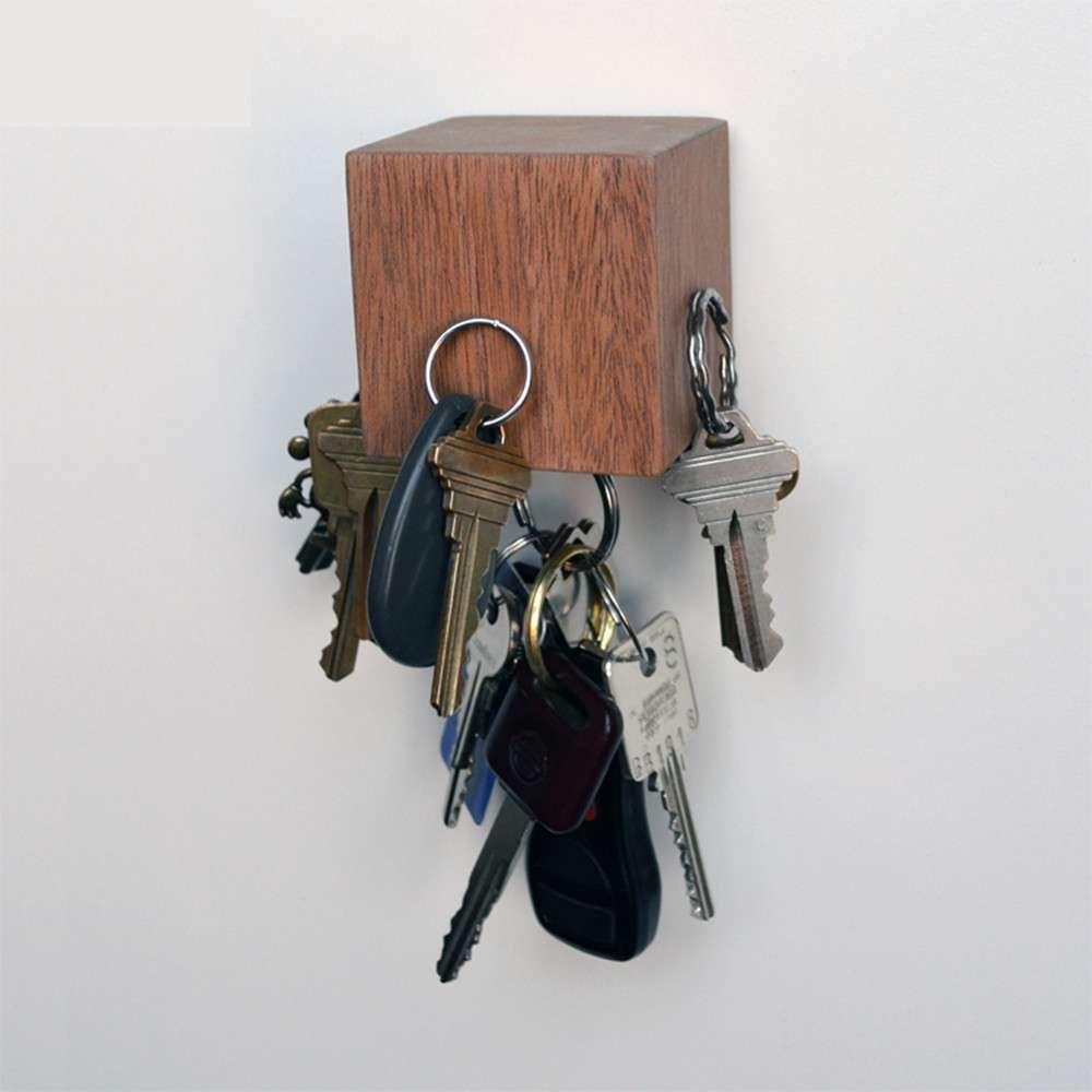 Kube Key Holder, Mahogany, Tat Chao