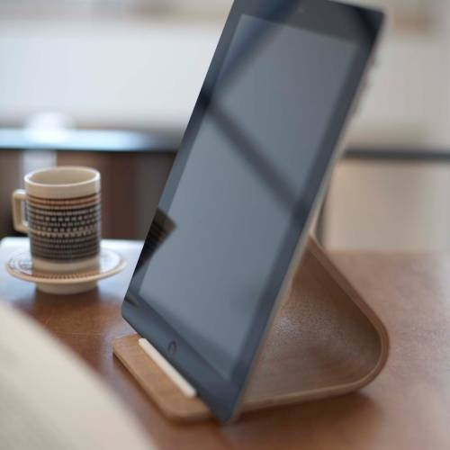 RIN - PLYWOOD TABLET STAND