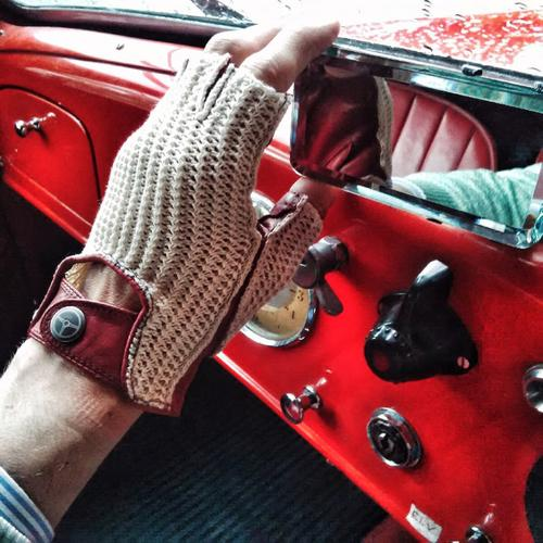 The Heritage | Stringback Driving Gloves | The OutlierMan